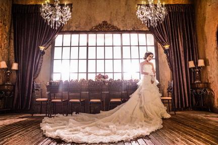 婚纱照情侣装能够展现出自己的特色