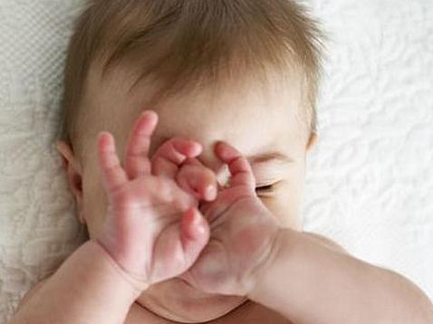 5个多月宝宝老是揉眼睛