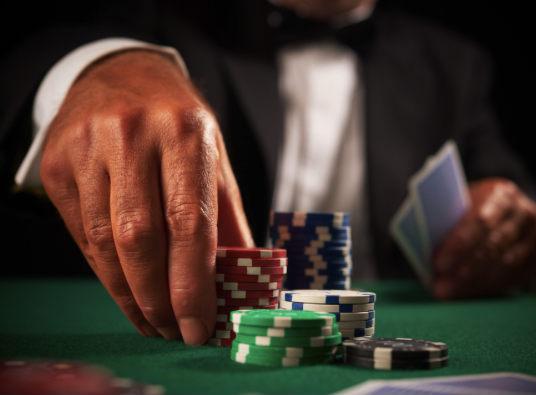 股票本金2000配资多少钱才算赌博 互联网股票配资:谁来管管这场赌博?