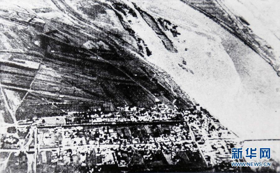 这是1937年7月事变发生时,日军绘制的卢沟桥地区形势地图。图中详细注明了卢沟桥附近地区地理状况、交通干线、中日军队部署及日军演习区域(资料照片)。