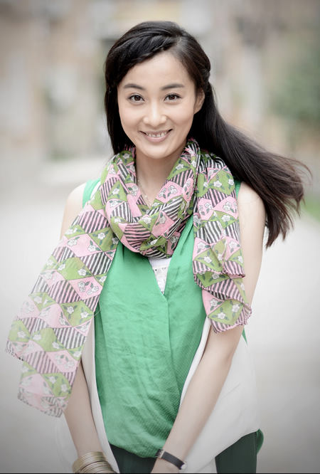 剧中,徐梵溪(原名徐翠翠)饰演杨琳,有着美丽的外表和好声音,具备歌手