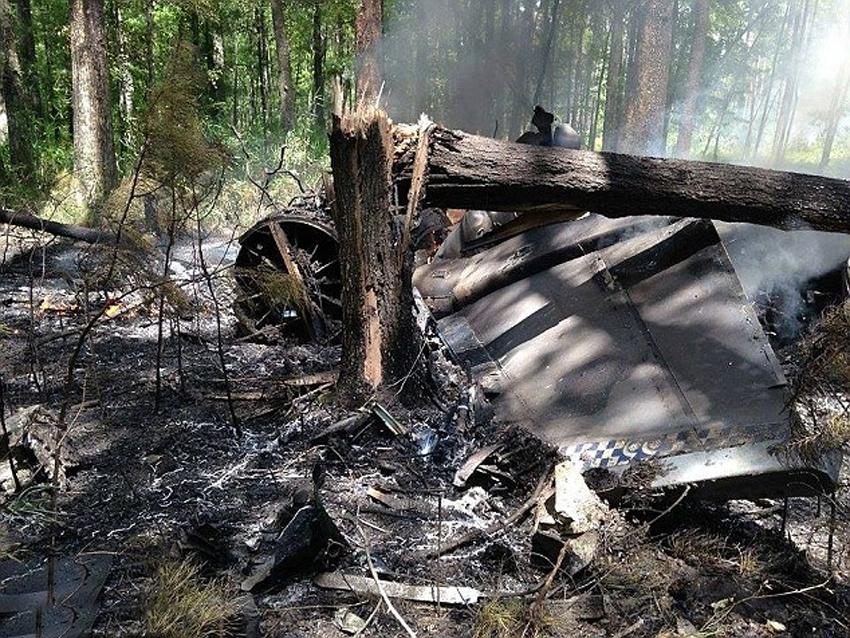 美国空军一架F16战斗机当天在南卡罗来纳州与小型民用飞机空中相撞后坠毁,战机飞行员安全弹出,民用飞机机上两人已经被证实死亡,尚不清楚两人的关系。