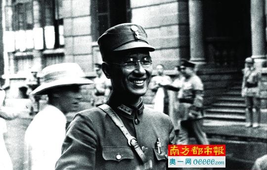 1938年6月5日白崇禧在武汉参加国民政府最高军事会议。