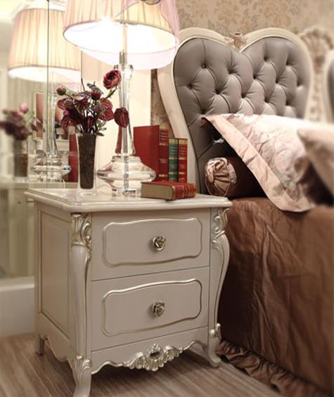 手工制作的床头柜让你的卧室充满复古的气息.