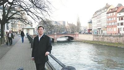 北京锋锐状师业务所主任周世锋。微博截图