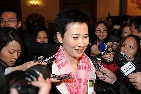 李小琳与王炳华的两度职务交替