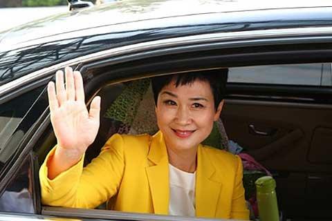 李小琳与中电国际挥手道别。图片来自凤凰财经