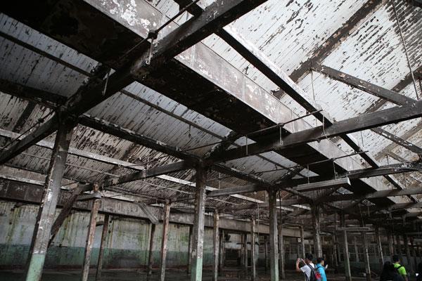 该厂房已经废弃了七八年之久