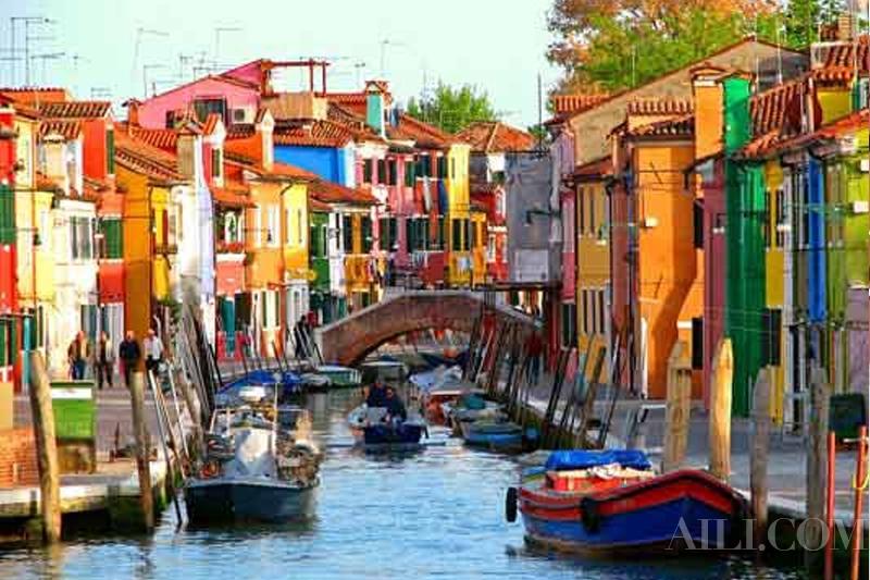 畅游威尼斯童话小镇 色彩也有趣!(组图)