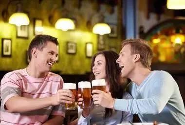 喝酒不伤害身体,爱人必学的技巧