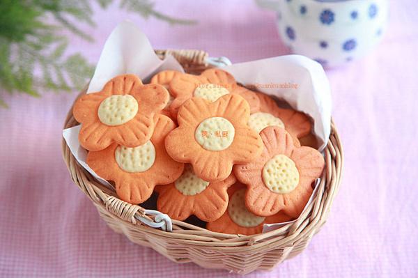 盛开的黄金芝士太阳花饼干