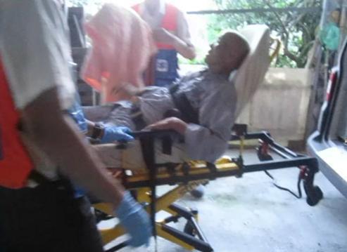 白叟被送医抢救所幸无大碍。(台媒图)