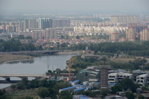 """北京市规划委主任黄艳首先跟记者强调的是,通州建行政副中心,绝对不是大规模的""""造城行动""""。 东方IC 资料"""
