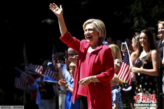 当地时间7月3日,美国新罕布什尔州汉诺威,民主党总统候选人希拉里为竞选造势。