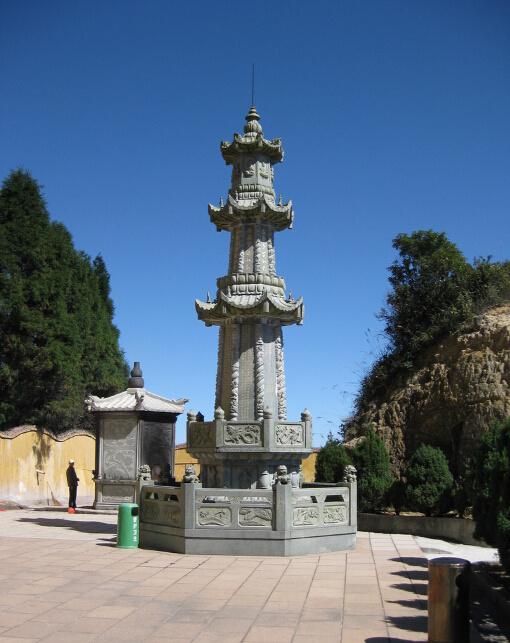 石雕经幢石塔介绍