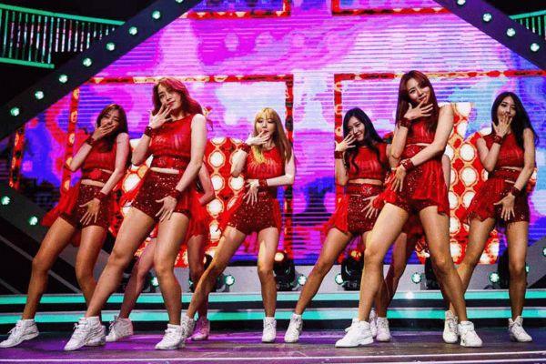 韩国啦啦队的舞蹈表演风格图片