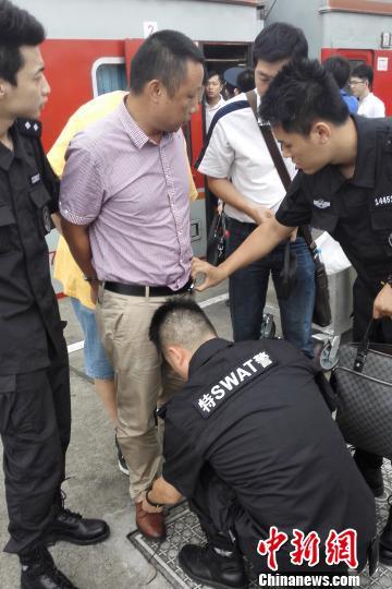 叛逃20年的杀人嫌犯刘某洪被警方捕获归案。 警方供图