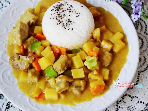 咖哩海鲜炖饭_#祺宝家厨#营养又美味的咖喱仔排饭