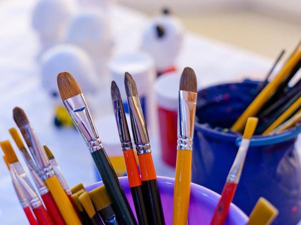 教你画可爱的萝卜房子 创意蜡笔画儿童画