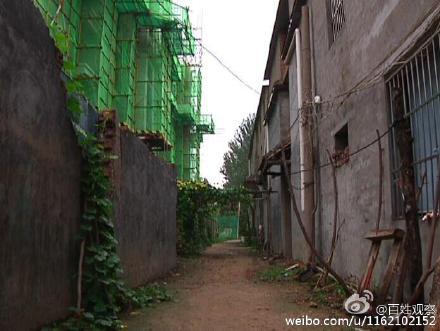 """河南商丘19层楼盘距住民房仅6米 民间称""""不懂计划而至"""""""