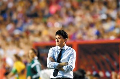 女足主教练郝伟