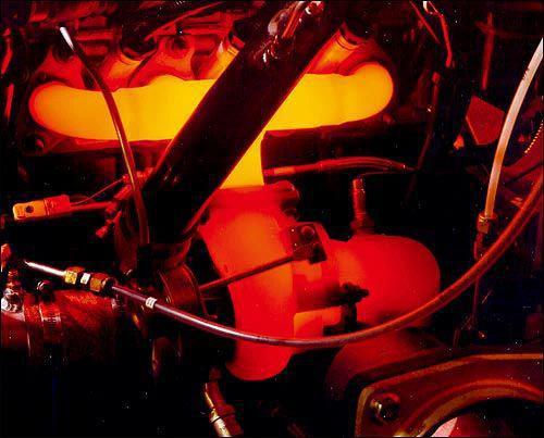 红色涡轮增压_【图】来看看烧红的涡轮看来冷却很重要_奥迪