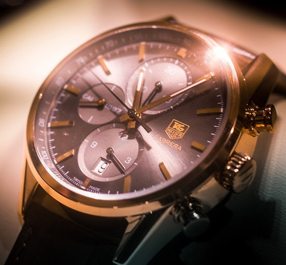 瑞士豪雅手表精神无惧挑战成就自我