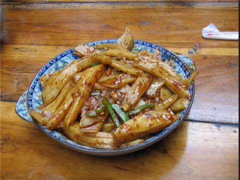 10 老边饺子馆 地址 石洞沟口 去吃三鲜饺子 一个饺子里面有一个大虾