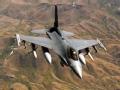 F16力克F35却难躲小飞机