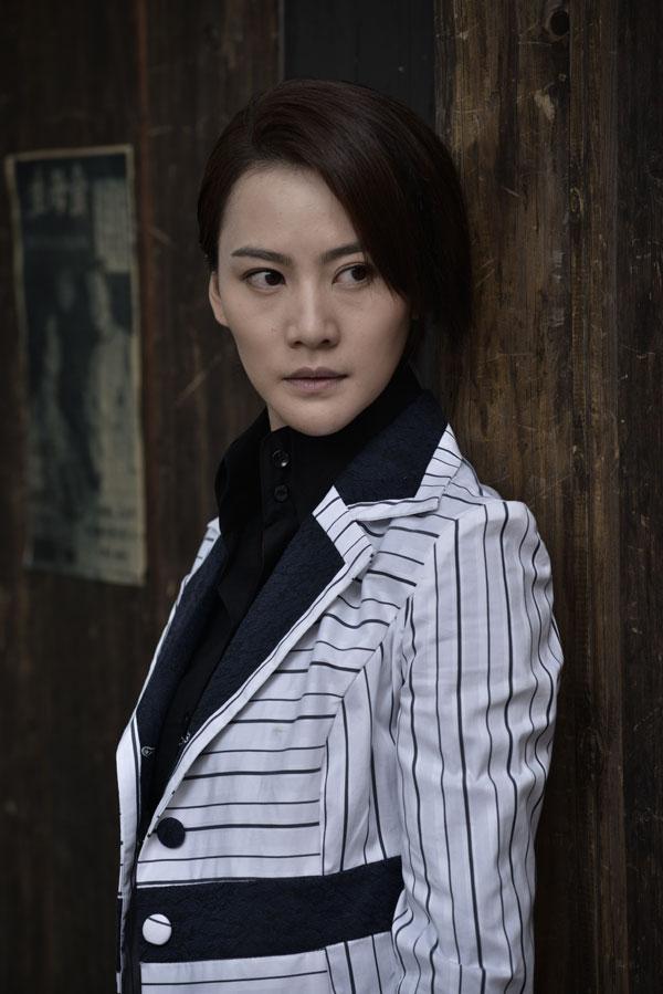杨舒,杨山等众多实力派演员,青年演员安雅萍在剧中饰演冷血女杀手叶文图片