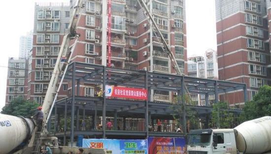 武汉一大街办设违建