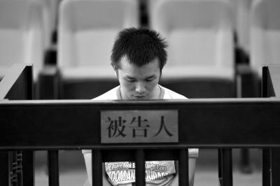 李某在法庭上。京华时报记者徐晓帆摄