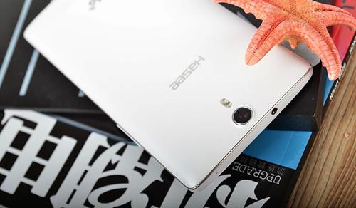 同时。针对用户关心的手机内存问题,神舟灵雅X55