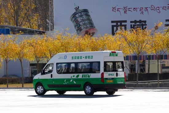 拉萨偶遇东风御风纯电动客车高清图片