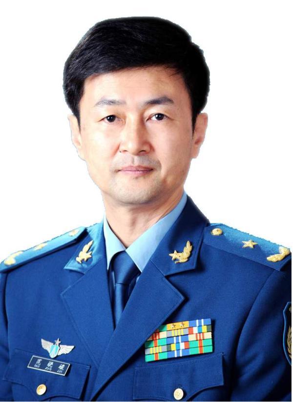 不久前刚调任空军政治部主任的范骁骏晋升空军中将军衔。 资料图