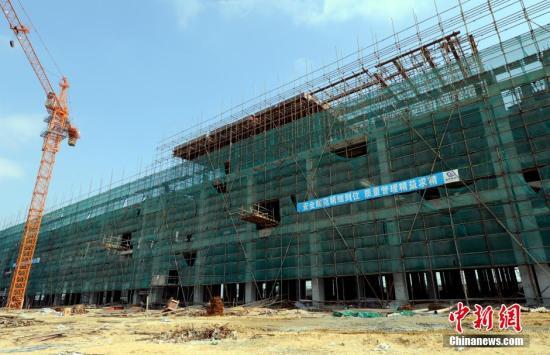 11月23日上午,福州官乐沿海产业区在建的永大纺织有限公司修建工地,在发作垮塌事变后曾经歇工。材料图 中新社发 刘可耕 摄