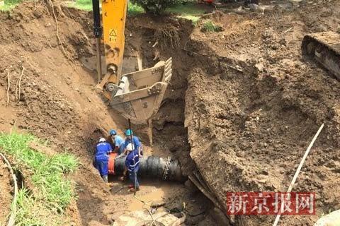 行将装置完结的新管道。新京报见习记者 赵吉翔 摄