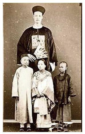 史上最高的人竟然在中国的清朝,有照片为证