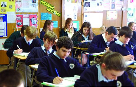 高中生睡眠时间_美国高中生远比想象中辛苦和努力