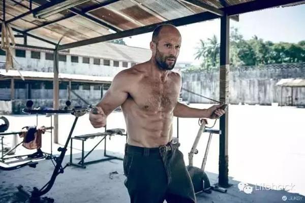 杰森·斯坦森:用肌肉来纪念我的48岁生日!图片