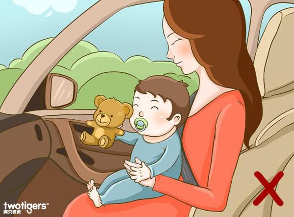 为什么不能抱着宝宝乘车以及让宝宝系成人安全
