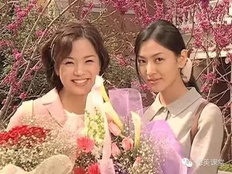 爱上女主播蔡琳�yg�_时尚 正文  《夏娃的诱惑》又名《爱上女主播》,播出于2000年(额,是叭