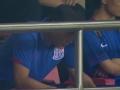 中超视频-酷热难耐球员补水 范志毅看台为申花助威