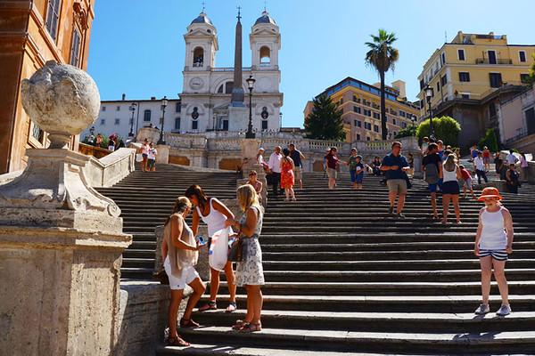 意大利著名街道_伴随着著名意大利民歌《重归索伦托》那优雅低