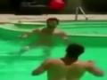拉莫斯携队友泳池放松 玩水中头球接力展功力