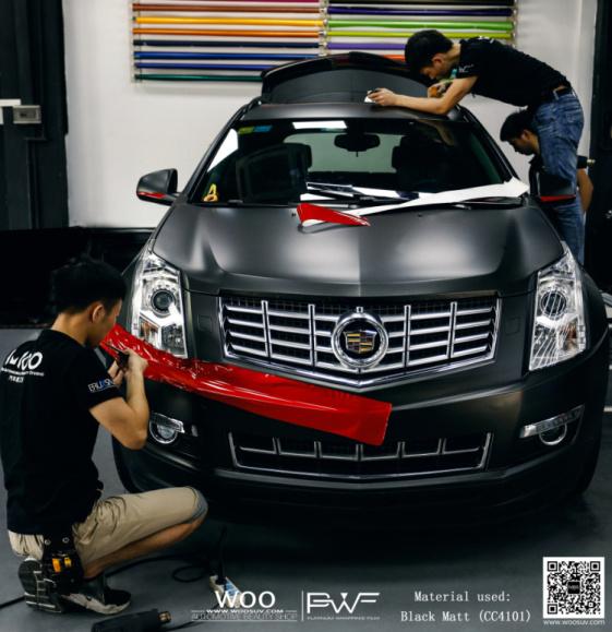 凯迪拉克SRX汽车车身改色贴膜电光黑高清图片