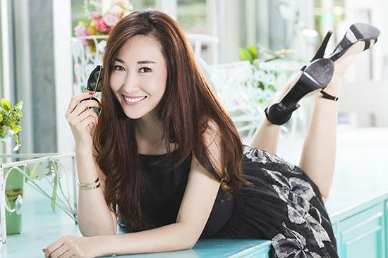 自拍偷唐人美女_大鹏导演的《煎饼侠》是这位年轻的80后美女投资人继《泰囧》后担当