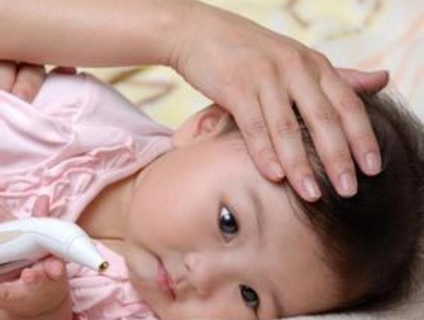 8個月寶寶出疹子圖片