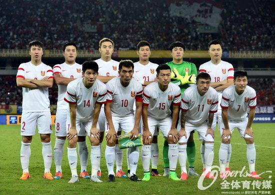 组图:2015东亚杯 国足首战0-2负韩国
