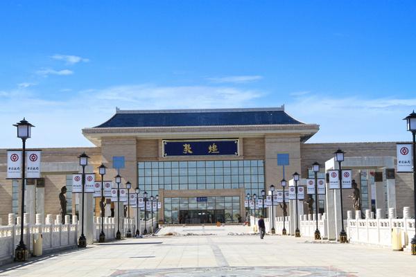 """敦煌火车站到市区_敦煌""""考古"""",用两天穿越千年。_搜狐旅游_搜狐网"""